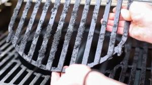 как отмыть сажу с металла