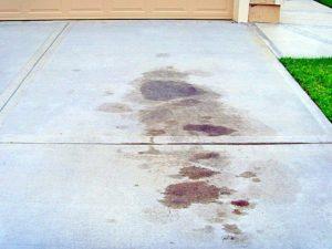 чем удалить масло с бетона