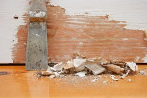 как очистить краску с деревянной поверхности