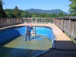 как очистить стенки бассейна от известкового налета