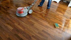 как снять лаковое покрытие с деревянной поверхности