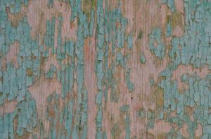 как убрать старую масляную краску с дерева