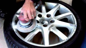 удаление краски с автомобильных дисков