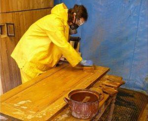 как очистить лак с деревянной поверхности
