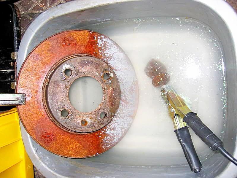 Чем очистить металл от ржавчины в домашних условиях 352